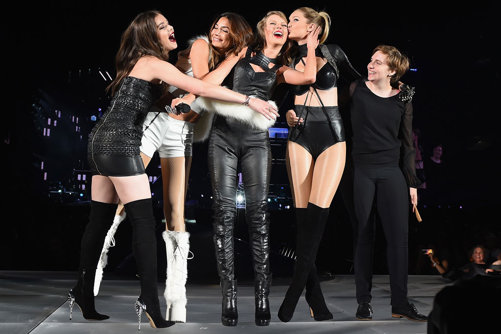 Hailee Steinfeld on stage with Taylor Swift