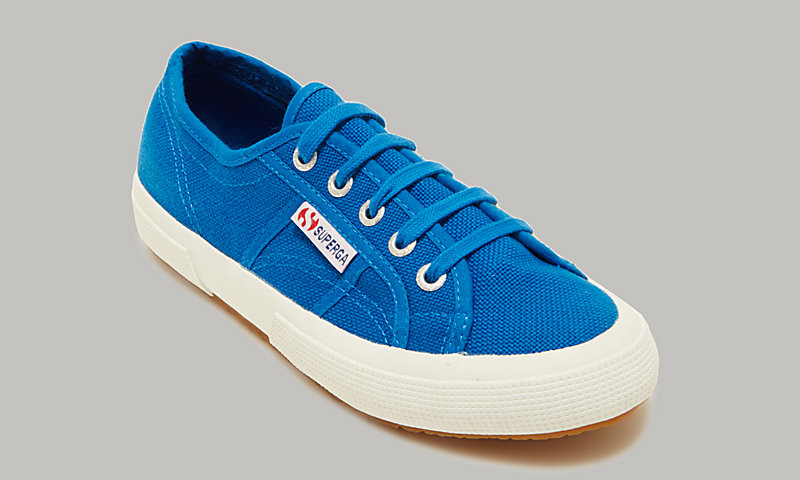 Tennis style shoes