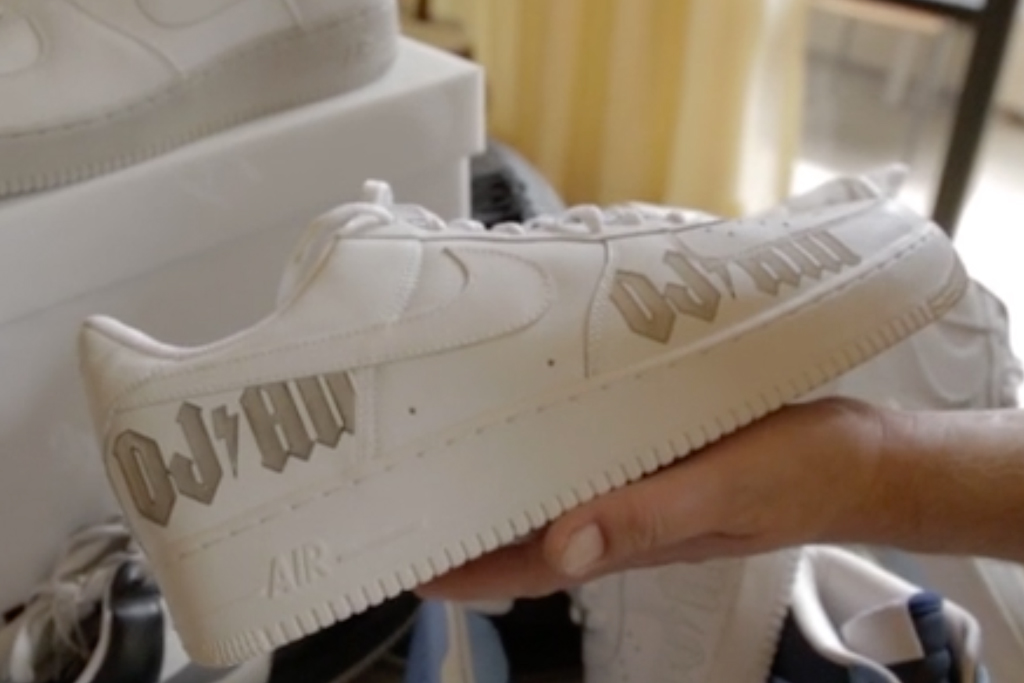 Nike-DJ-AM-Sneakers-3
