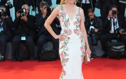 Elizabeth Banks Jimmy Choo Venice Film