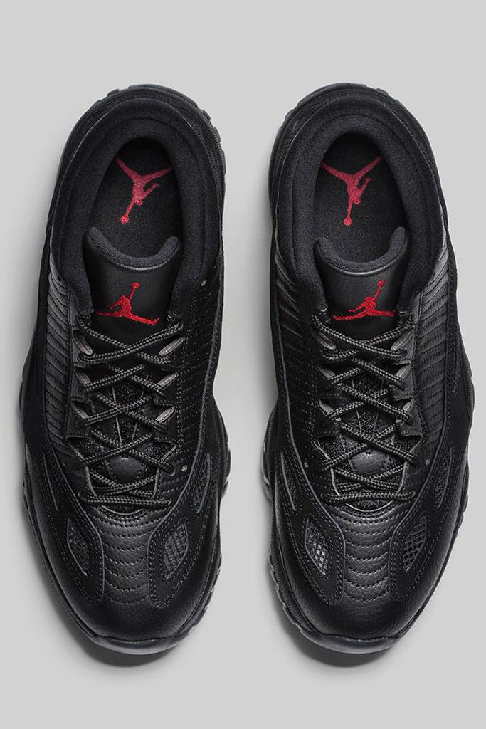 Air Jordan 11 Retro Low IE Black Cat