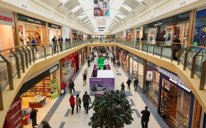 mall-shopping-retail