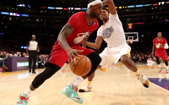 Nike LeBron 11 Christmas 2013