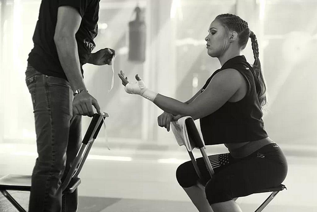 Ronda Rousey hand wrap