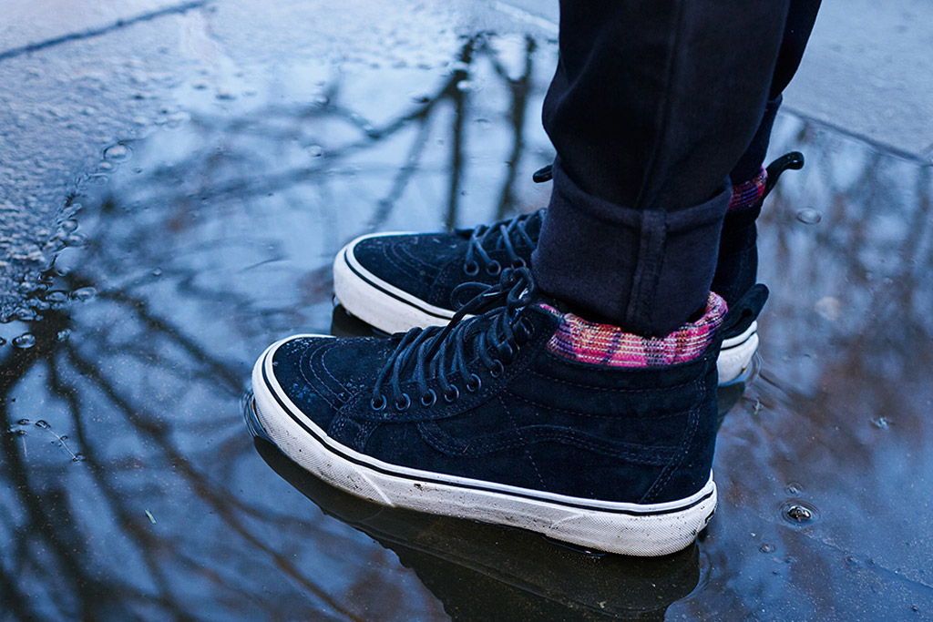 Vans Mountain Edition Collection black suede