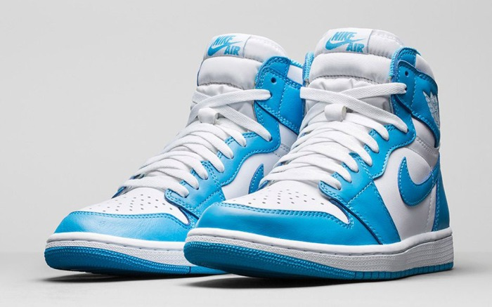 Air Jordan 1 Retro High OG Powder Blue