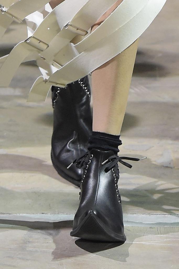 Comme des Garçons Spring 2016 Paris Fashion Week