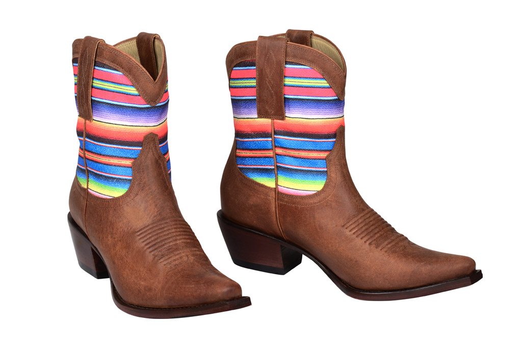 Kacey Musgraves Debuts Line Cowboy Boots With Lucchese