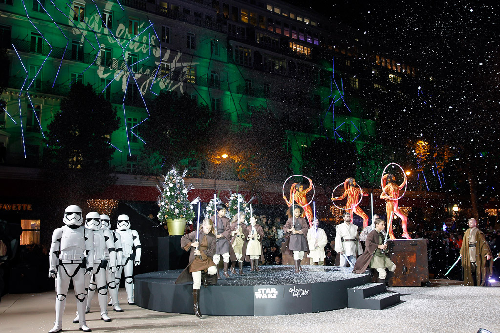Galeries Lafayette and Star Wars Holiday 2015