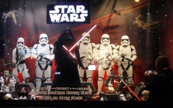 Galeries Lafayette and Star Wars Holiday