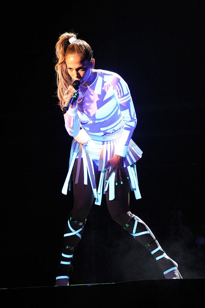 Jennifer Lopez AMAs 2011