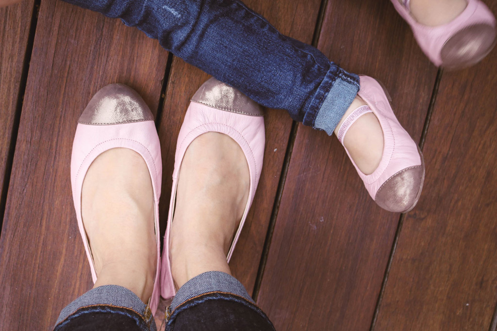 Mother-Daughter Styles – Footwear