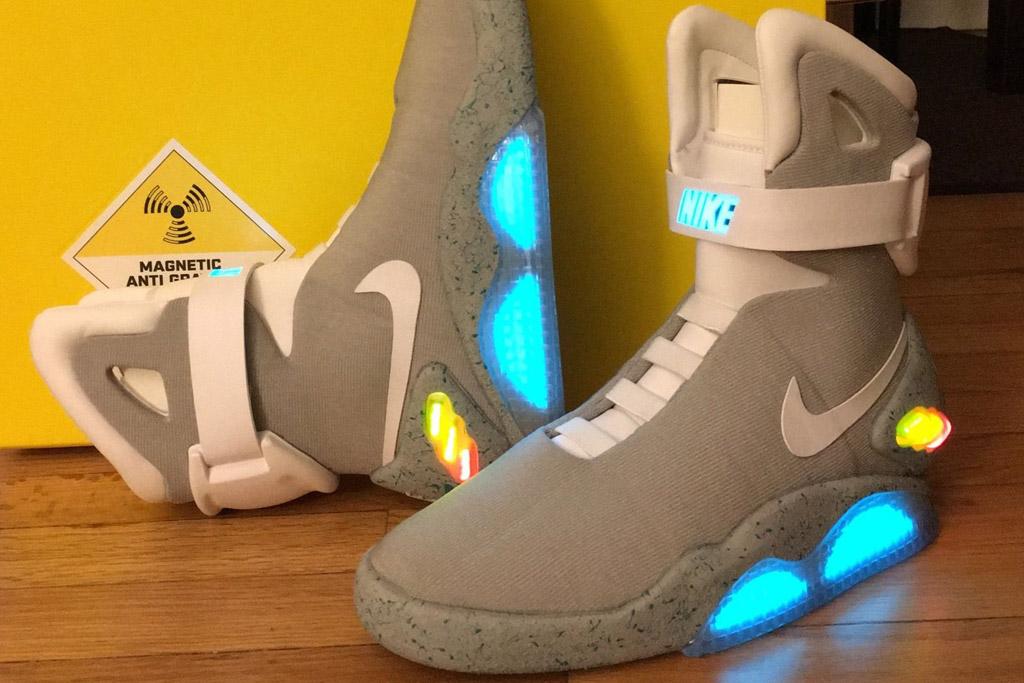 Espantar Teleférico Folleto  A Pair of 2011 Nike Air Mag Sneakers Is Selling for $12K on Ebay – Footwear  News