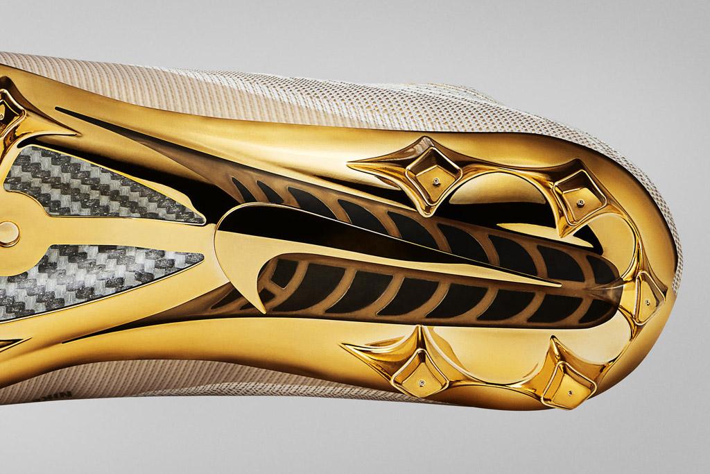 Nike Vapor Untouchable II cleat