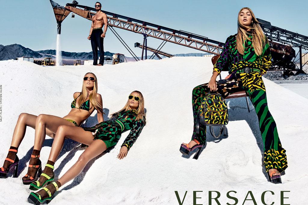 versace-gigi-hadid2