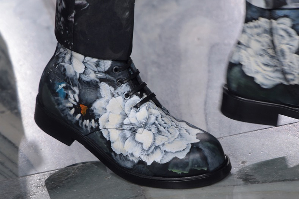 Alexander McQueen London Collection: Mens RTW Fall 2016