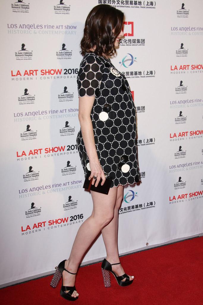 Anne Hathaway Miu Miu