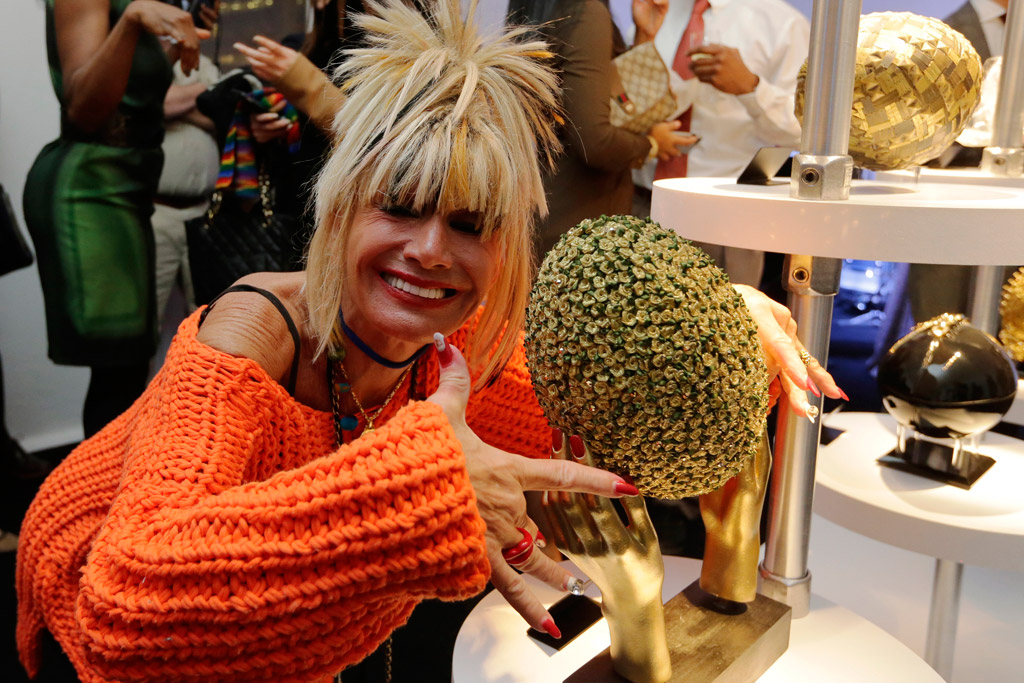 Betsey Johnson NFL Super Bowl 50 CFDA