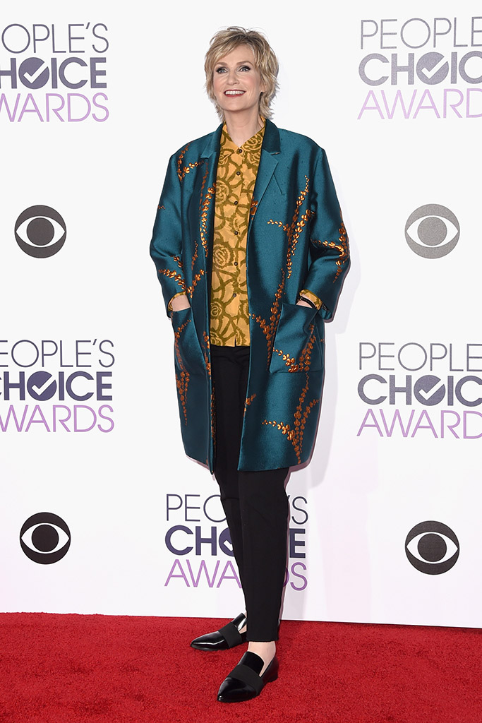 Jane Lynch People's Choice Awards 2016 Red Carpet