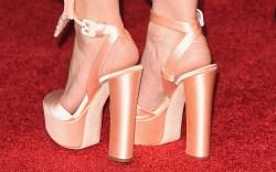 Kate Hudson Golden Globes Red Carpet