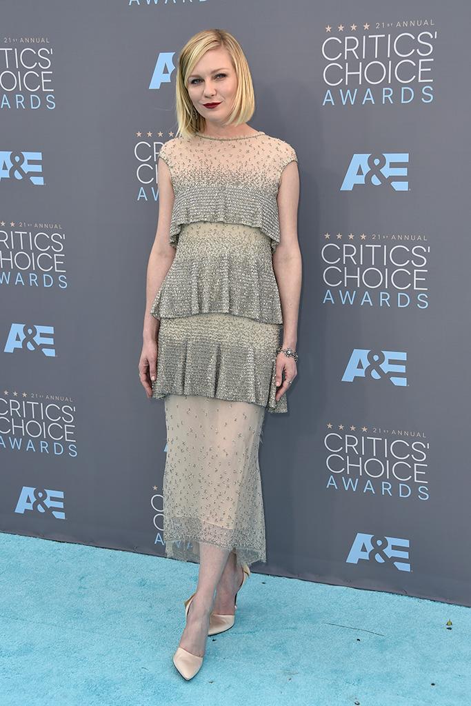 Kirsten Dunst Critics' Choice Awards 2016 Red Carpet