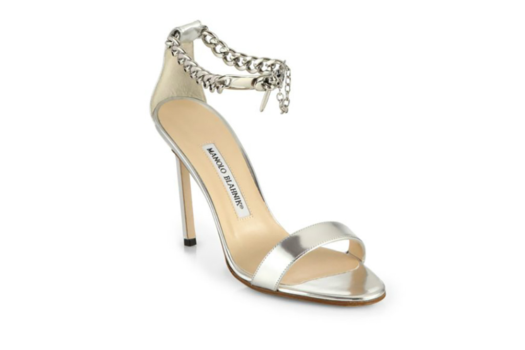 Amy Schumer Critics Choice Awards Shoes