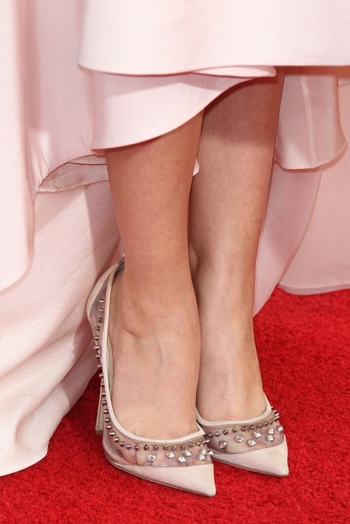 Sarah Hyland SAG awards red carpet