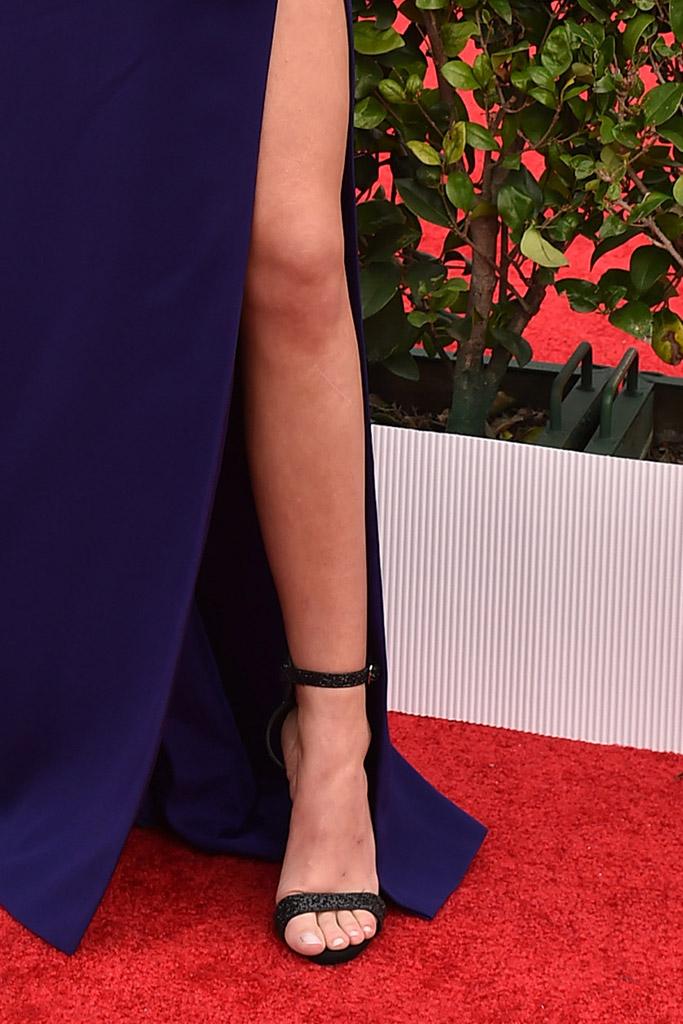 Sarah Hyland SAG Awards 2016 Red Carpet