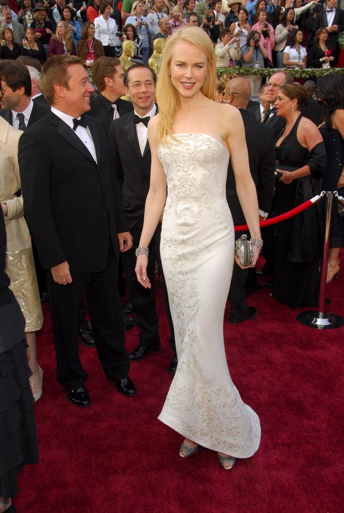 2006: Nicole Kidman in Balenciaga dress and heels.