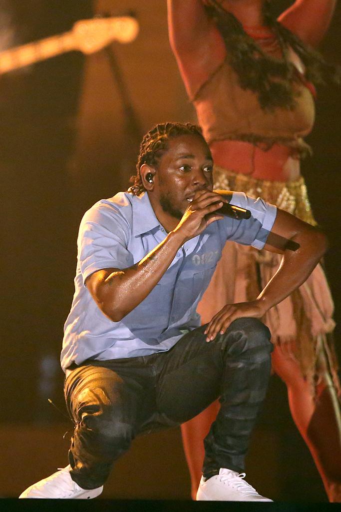 Kendrick-Lamar-Grammy-Awards-2016-performance