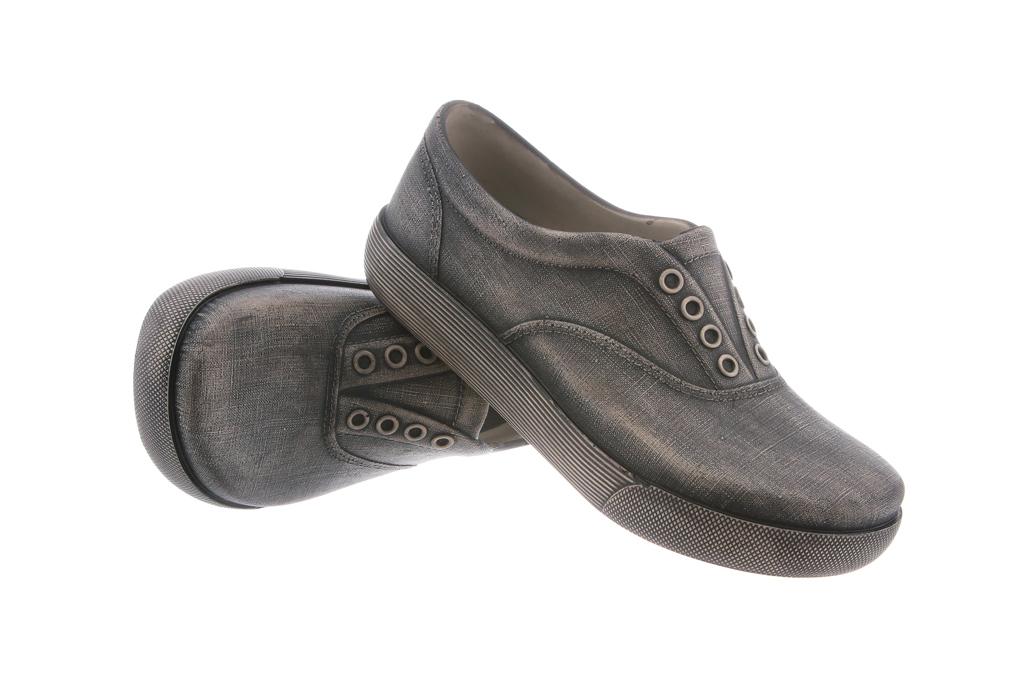 Klogs Footwear spring '16 sneaker style