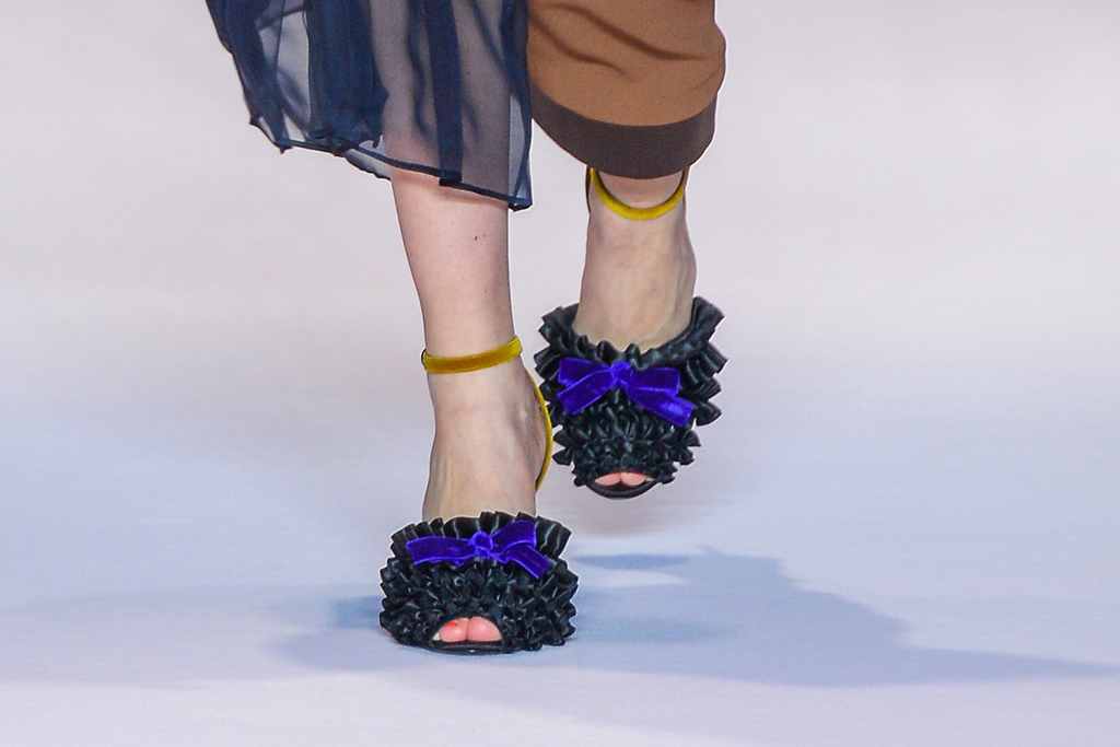 Marco de Vincenzo Fall 2016 Shoes On The Runway