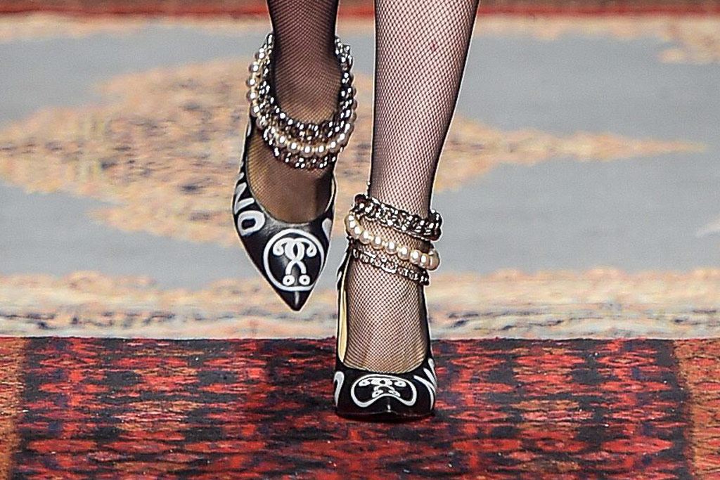 Moschino Fall 2016 Shoes On The Runway