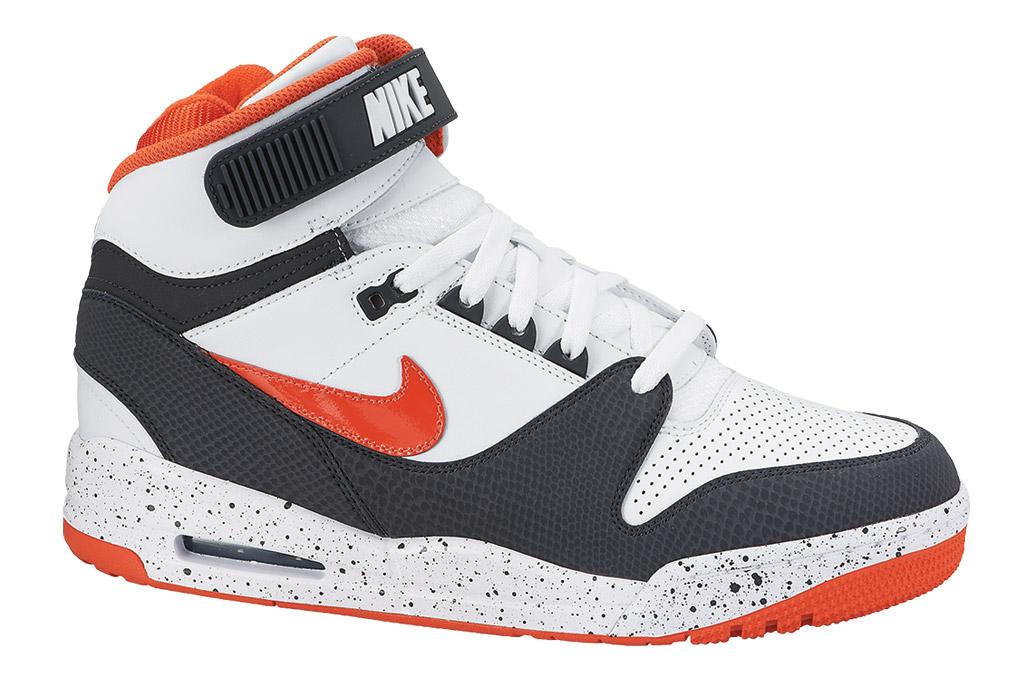 Nike Air Revolution Sneaker