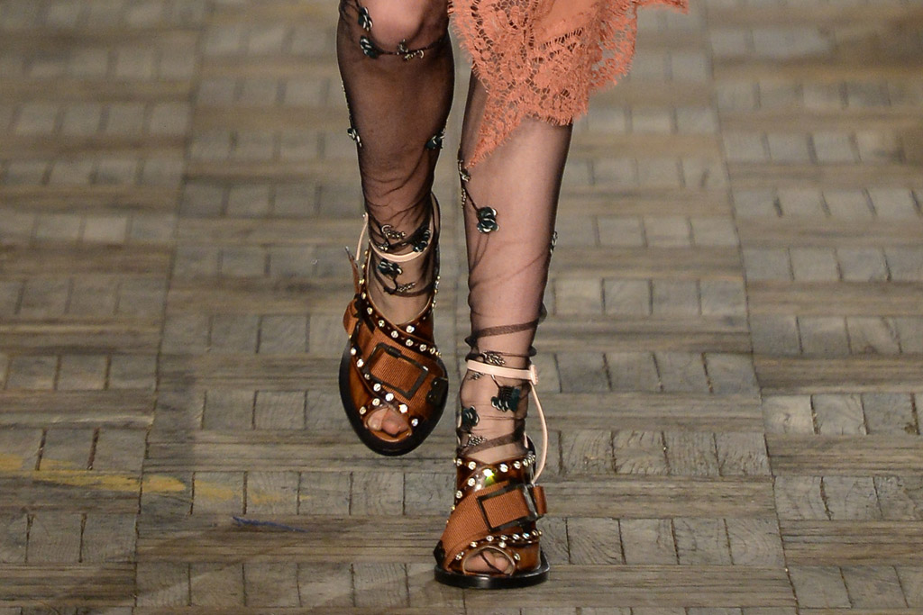 No. 21 Fall 2016 Shoes On The Runway