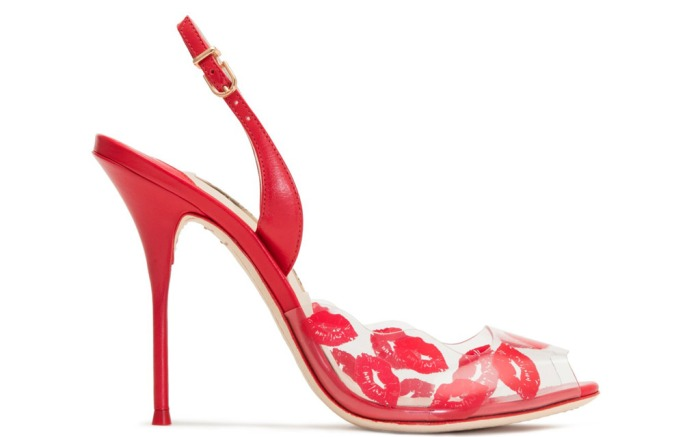 Valentines-Day-kisses-shoes