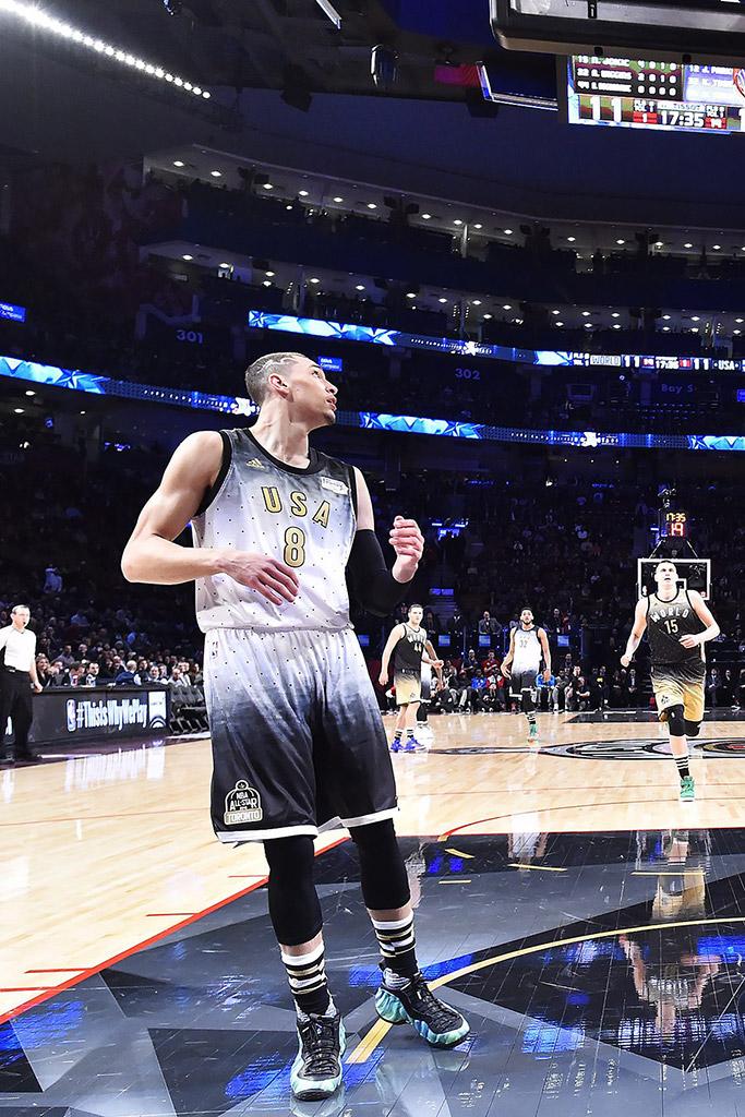 Zach LaVine Northern Lights Nike Air Foamposite One Rising Stars NBA