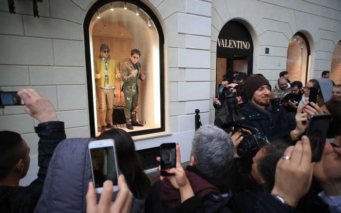 Owen Wilson and Ben Stiller as Hansel and Zoolander in Rome