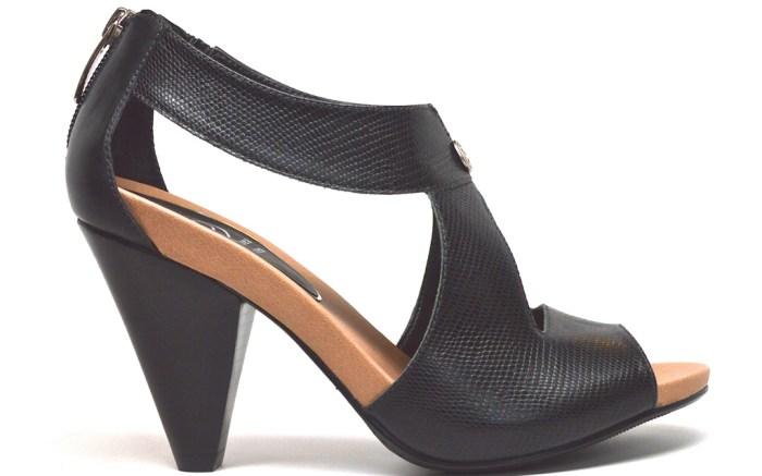 Chelsea Jones Aspire sandal