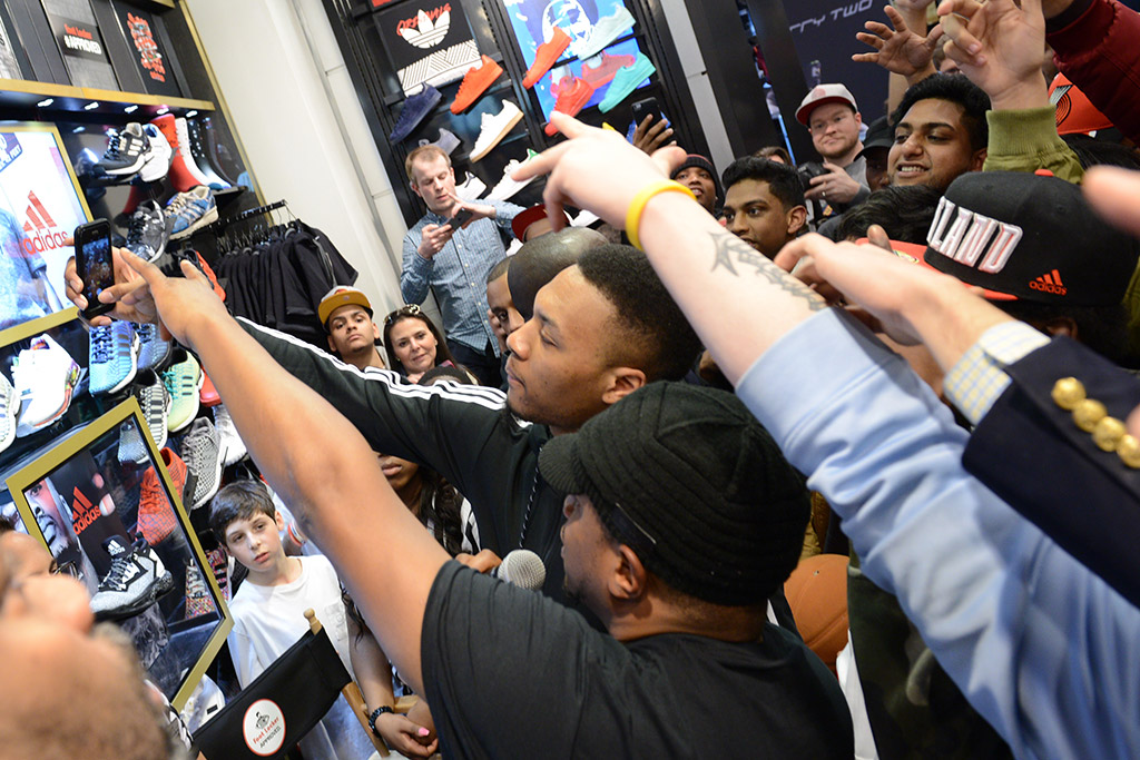 Damian Lillard Visits NYC Fans At Foot