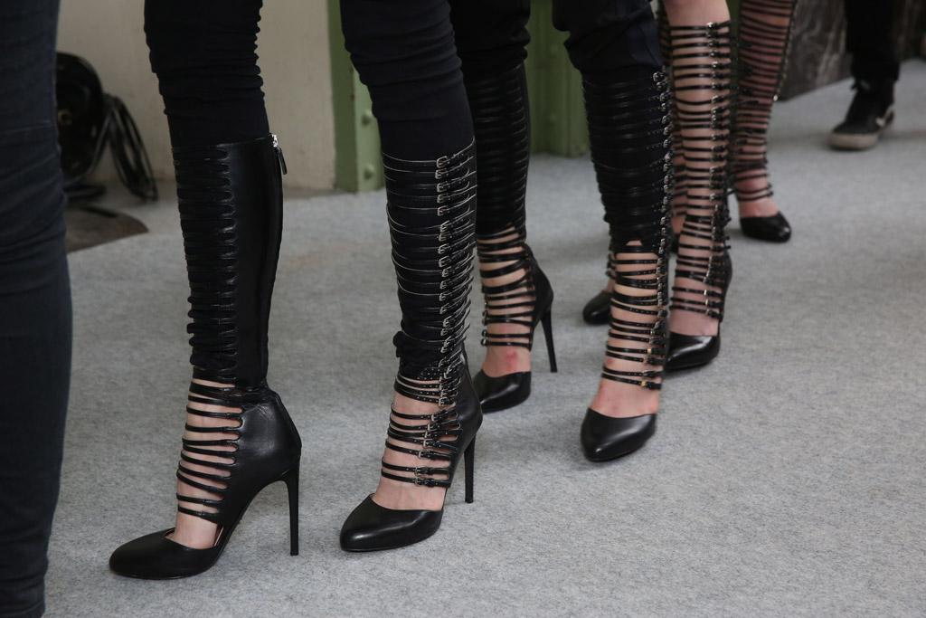 Giambattista Valli RTW Fall 2016 Shoes On The Runway