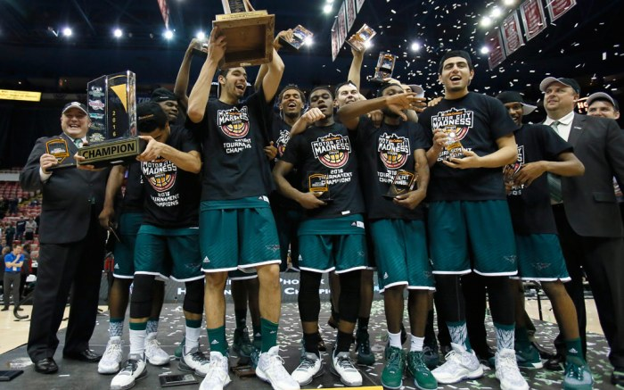 green bay phoenix ncaa tournament