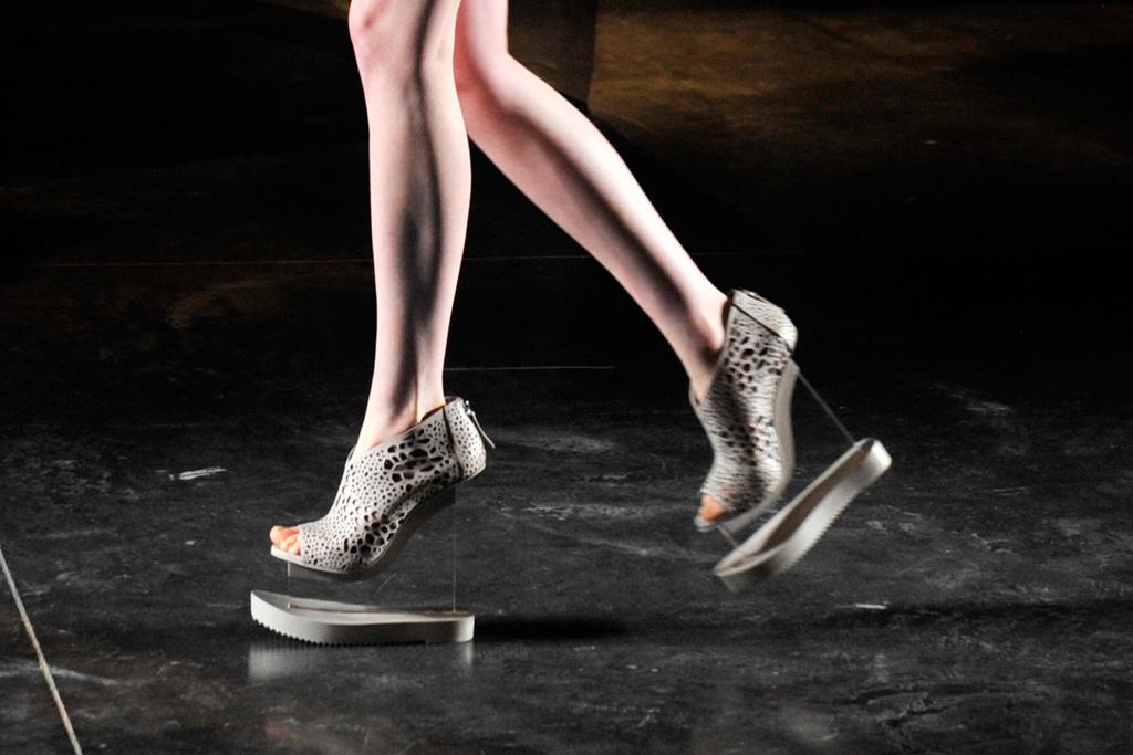 Iris Van Herpen Fall 2016 Shoes On The Runway