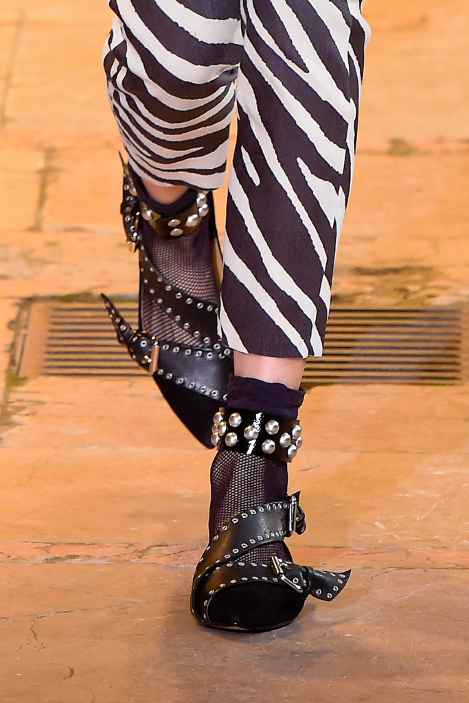 Isabel Marant RTW Fall 2016 Shoes On The Runway