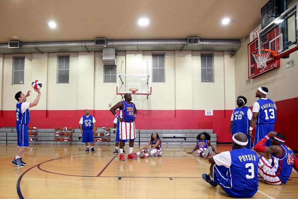 Jimmy Fallon Adidas Light 'Em Up 2.0 Harlem Globetrotters The Roots D Rose 773