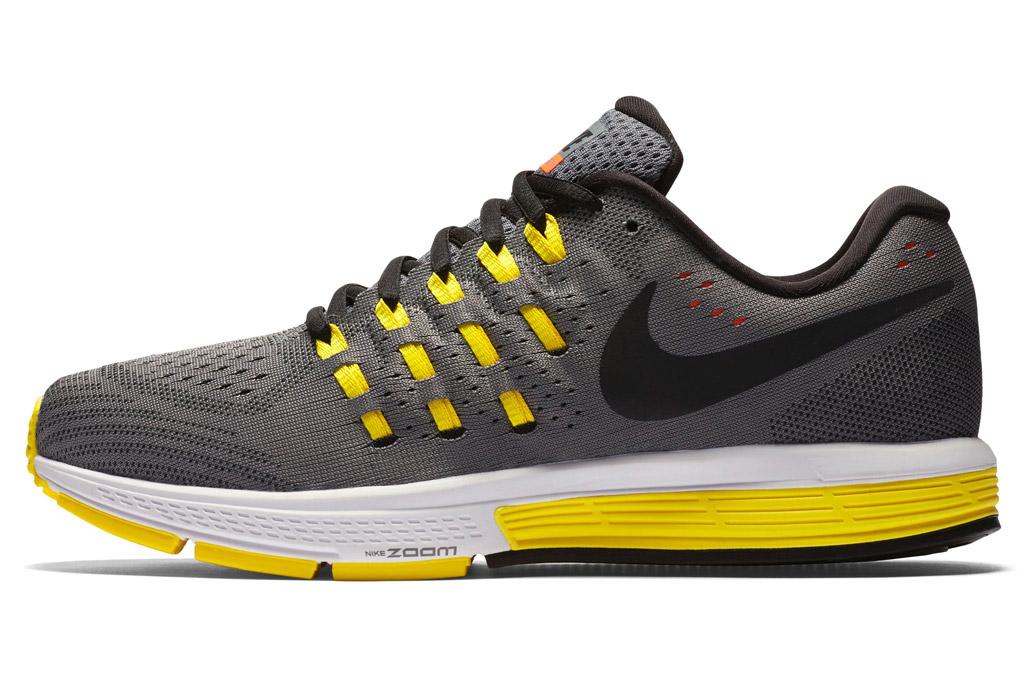 nike women's air zoom vomero 11 running shoe