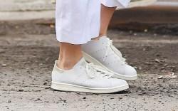 Karlie Kloss Celebrity Sneakers Style