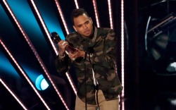 Chris Brown iHeartRadioMusic Awards 2016