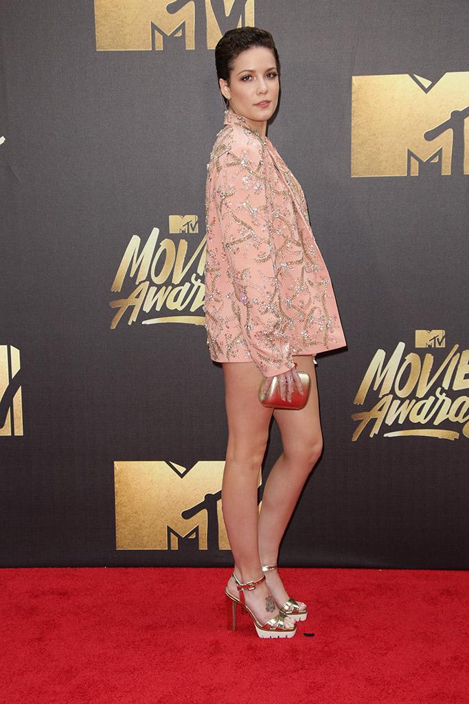 Halsey MTV Movie Awards 2016 Red Carpet