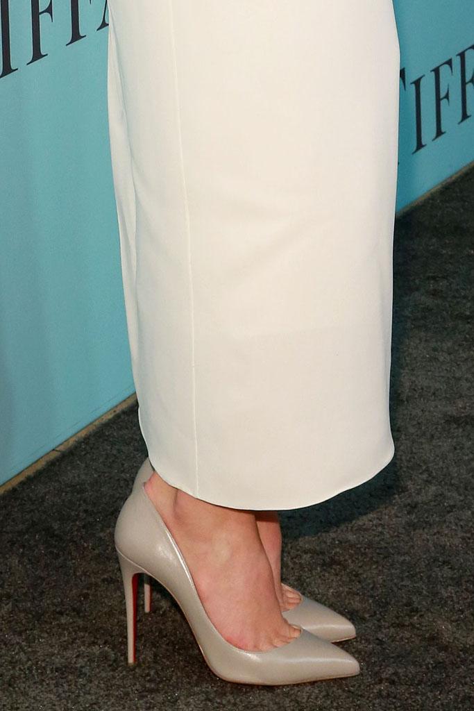 jessica biel christian louboutin heels tiffany jewels blue book